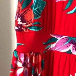 Old Navy Dresses - Old Navy cute tropical maxi dress, only worn once